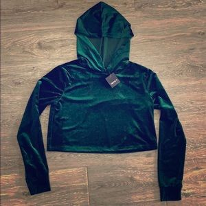NWT Forever 21 shiny green velour crop hoodie